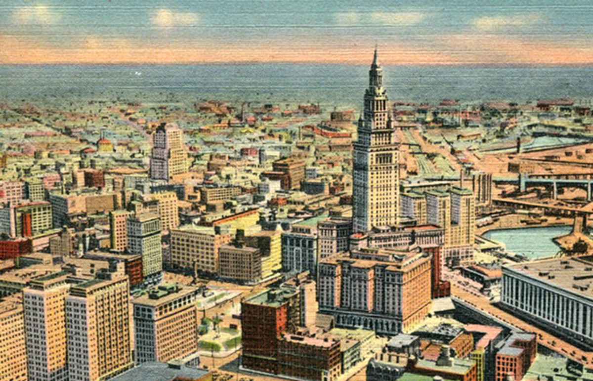 A postcard of downtown Cleveland, Ohio, from 1947. (Photo: Roger Wollstadt/Flickr)