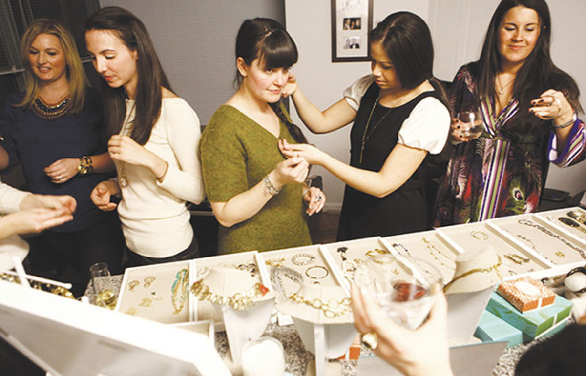 A Stella & Dot trunk show held in a Manhattan apartment in 2012. (Photo: Emily Berl)