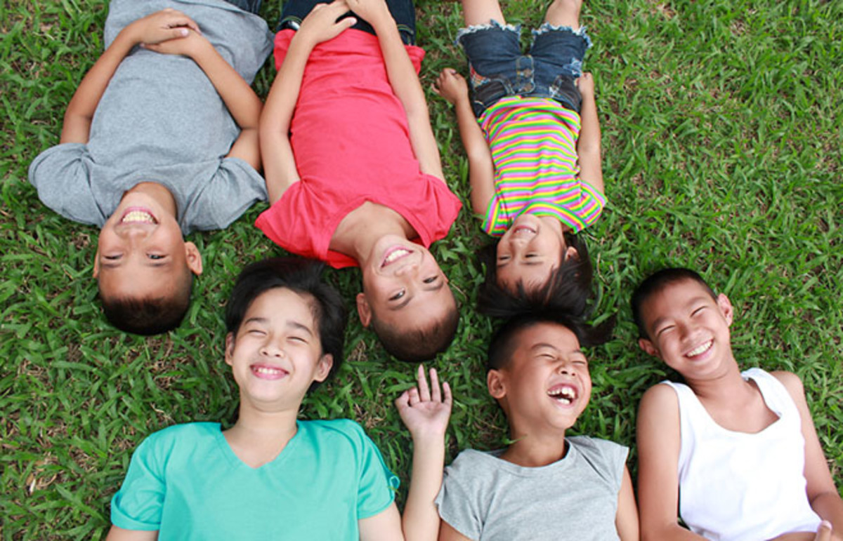 Six kids in the park. (Photo: paulaphoto/Shutterstock)