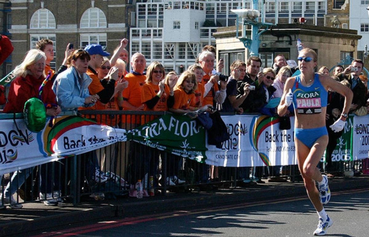 Paula Radcliffe at the 2005 London Marathon. (Photo: Jon Wells/Flickr)