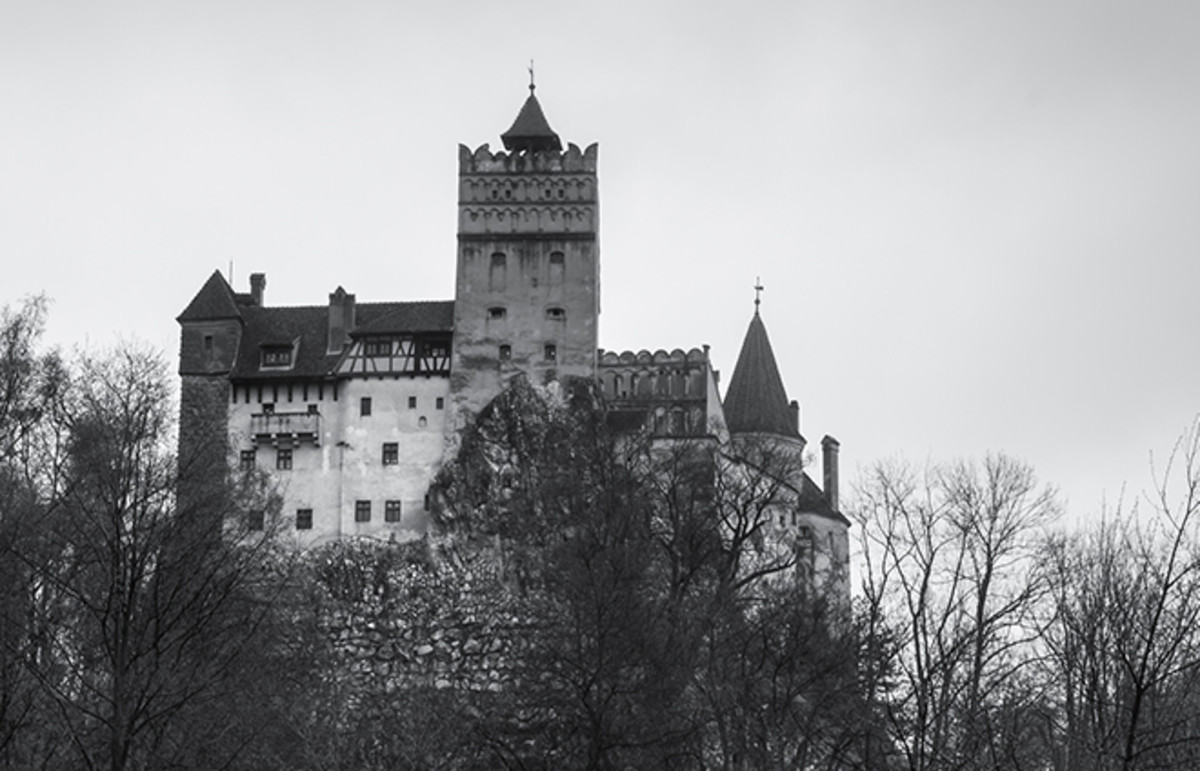 Dracula's castle. (Photo: Felix Garcia Vila/Flickr)