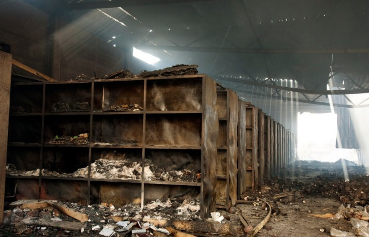 A warehouse destroyed by the Israeli army and Hamas. (Photo: un_photo/Flickr)