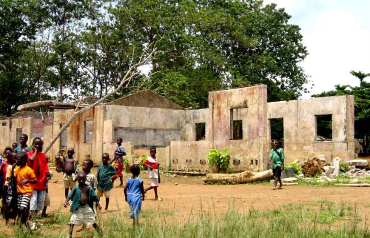A school destroyed by civil war in Sierra Leone. (Photo: Public Domain)