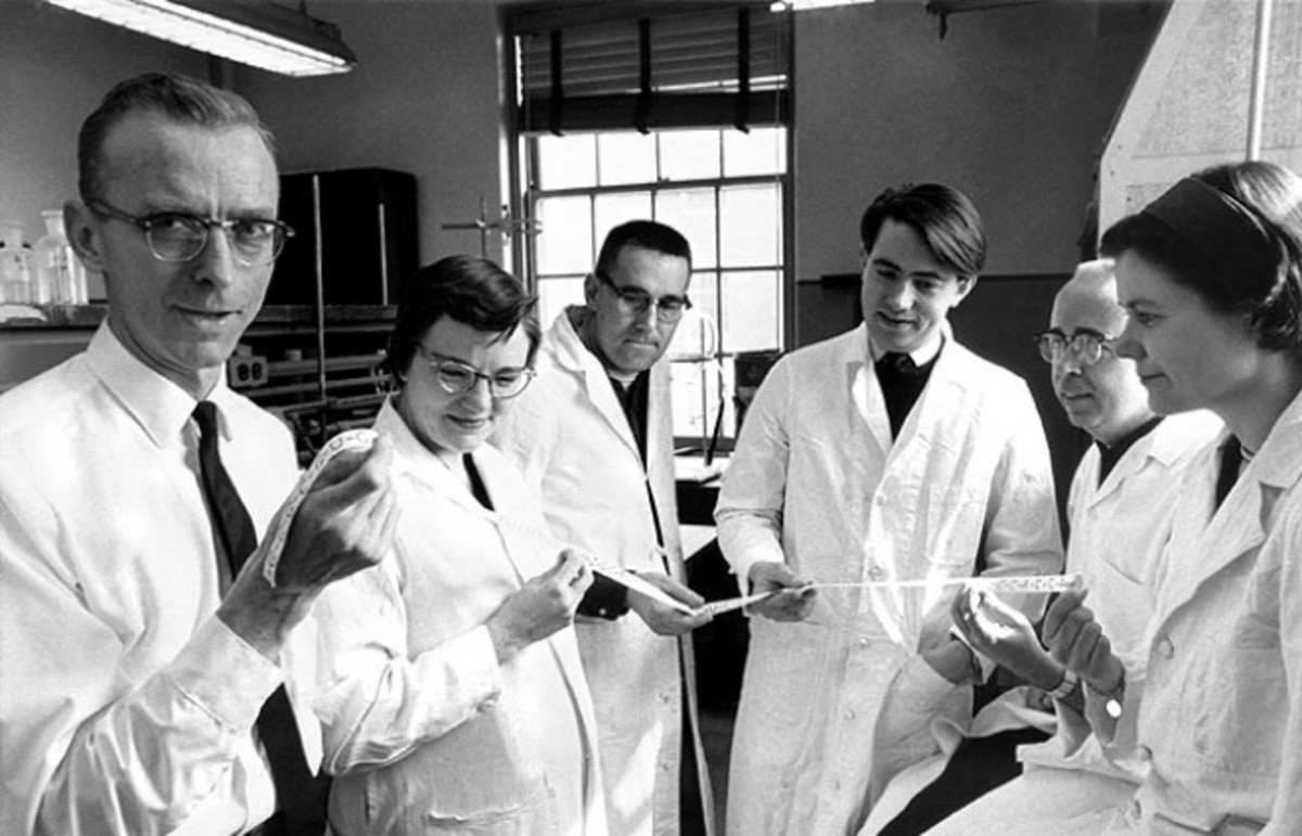 The group of researchers who figured out the molecular structure of RNA. (Photo: marsdd/Flickr)