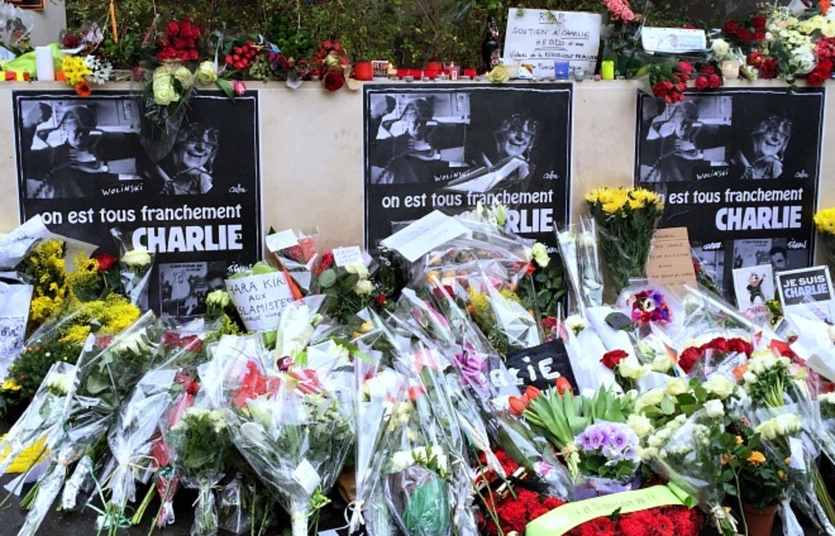 A memorial outside the Charlie Hebdo building on Rue Nicolas-Appert. (Photo: Ross Ufberg)