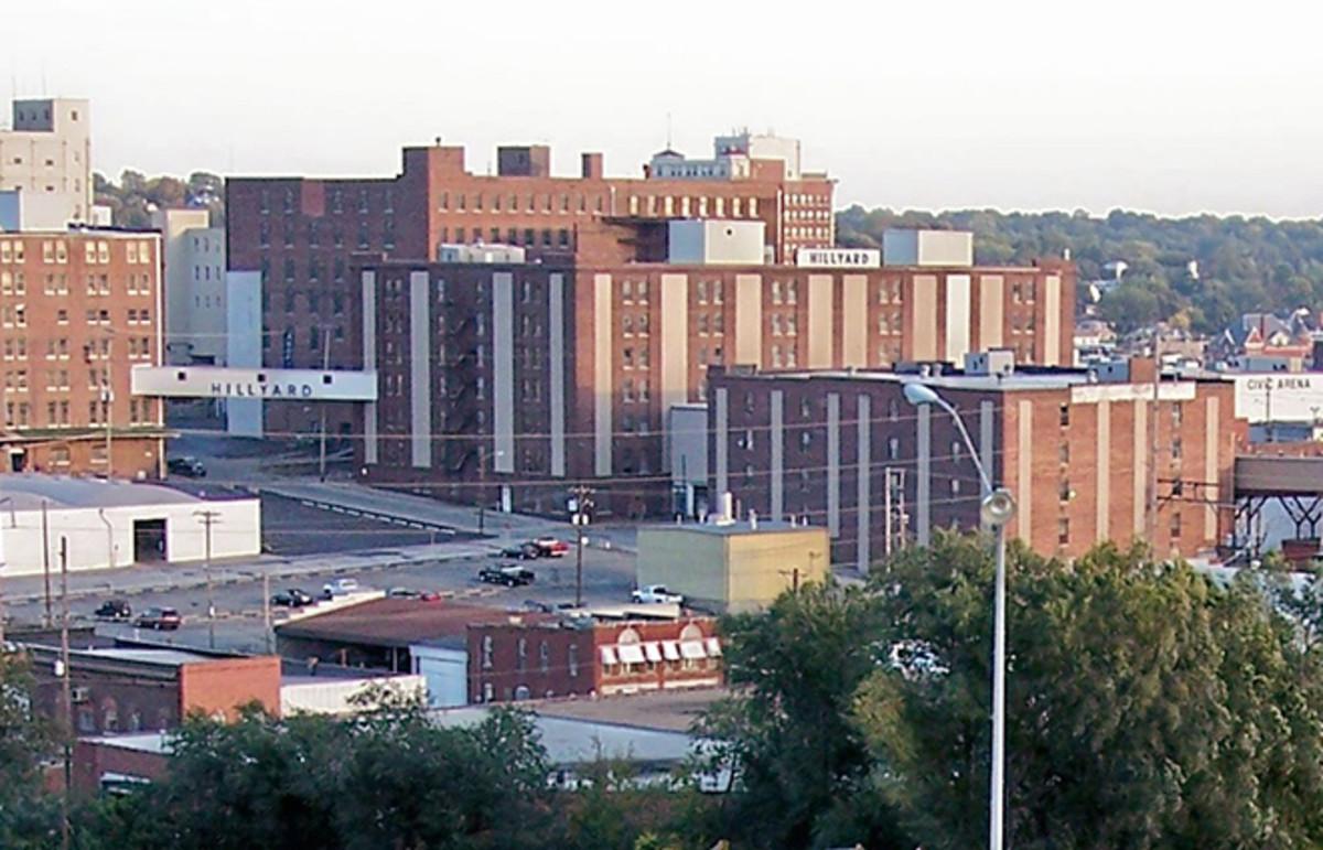 Downtown St. Joseph, Missouri, in 2006. (Photo: Malepheasant/Wikimedia Commons)