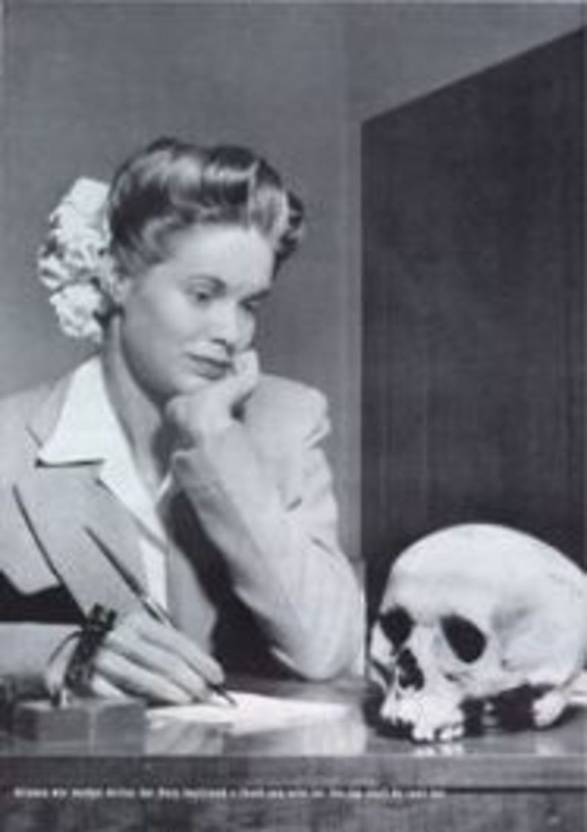 """Arizona war worker writes her Navy boyfriend a thank-you-note for the Jap skull he sent her,"" Life magazine's Picture of the Week in 1944. (Photo: Time & Life Pictures/Getty Images)"