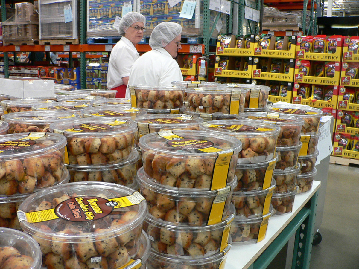 Some of the bulk muffin options at a Costco. (Photo: Bev Sykes/Flickr)