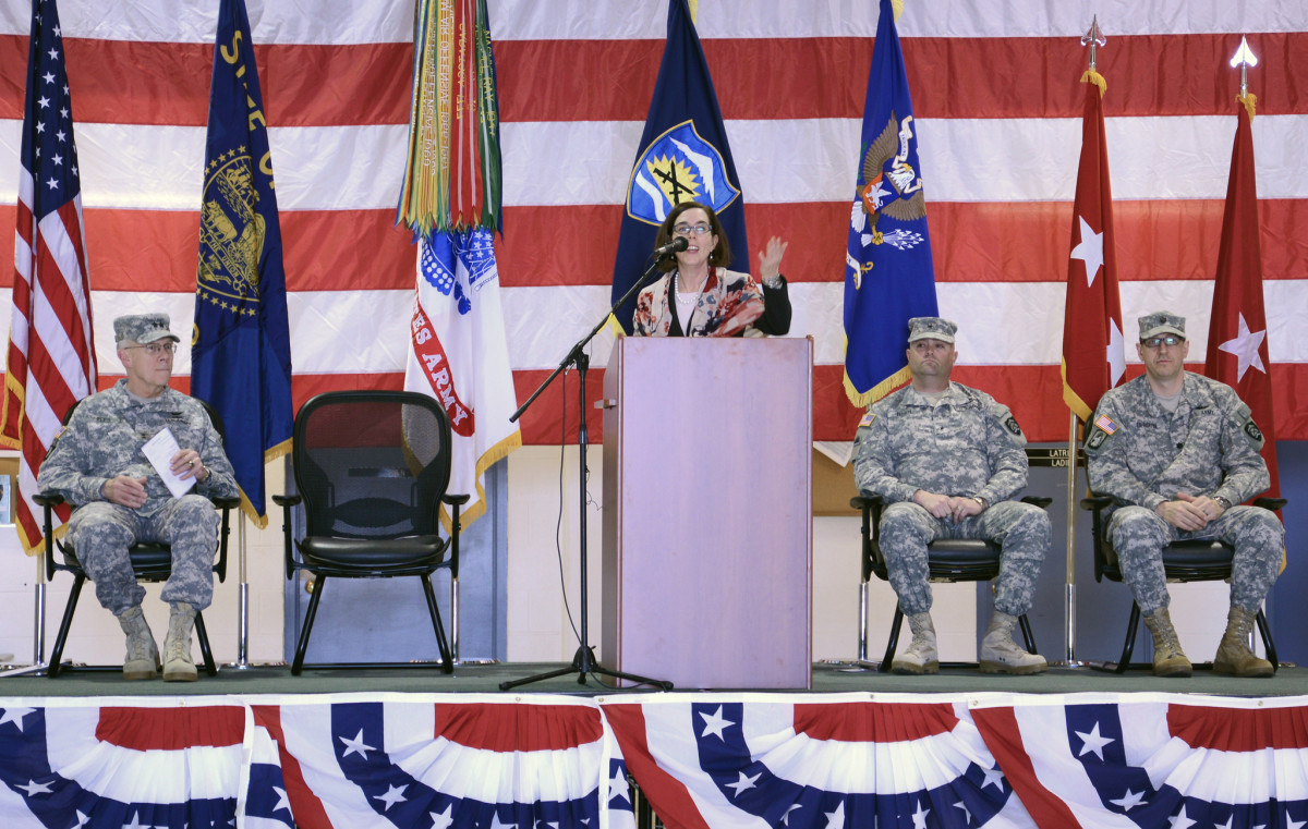 Kate Brown addresses service members of the Oregon Army National Guard in 2012. (Photo: oregonmildep/Flickr)