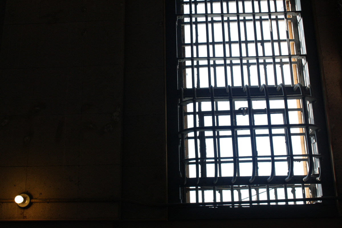 A window at Alcatraz in San Francisco. (Photo: Derek Key/Flickr)