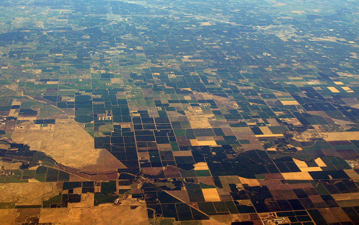 Part of California's Central Valley as seen from the air. (Photo: Coolcaesar/Wikimedia Commons)