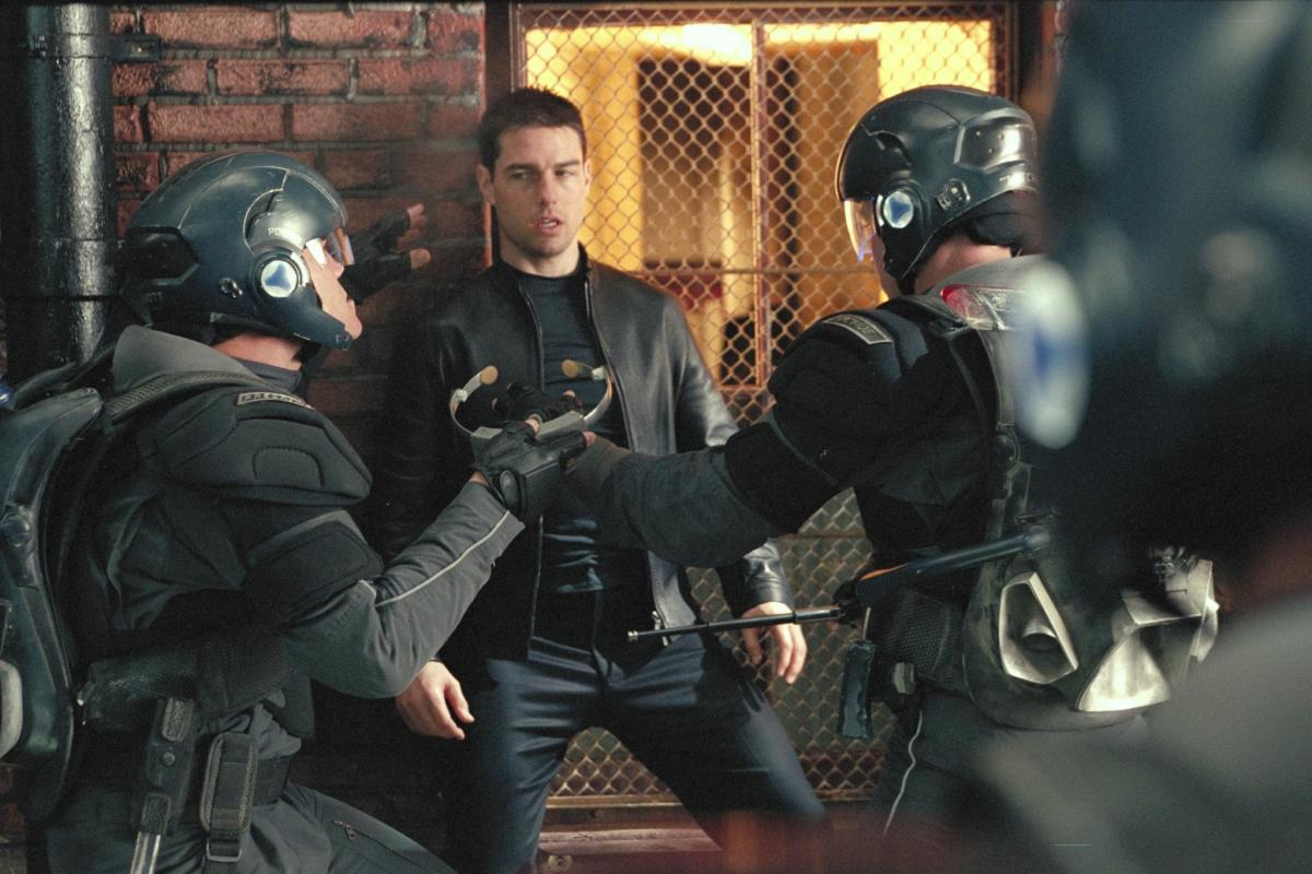 Tom Cruise stars in Minority Report. (Photo: 20th Century Fox)