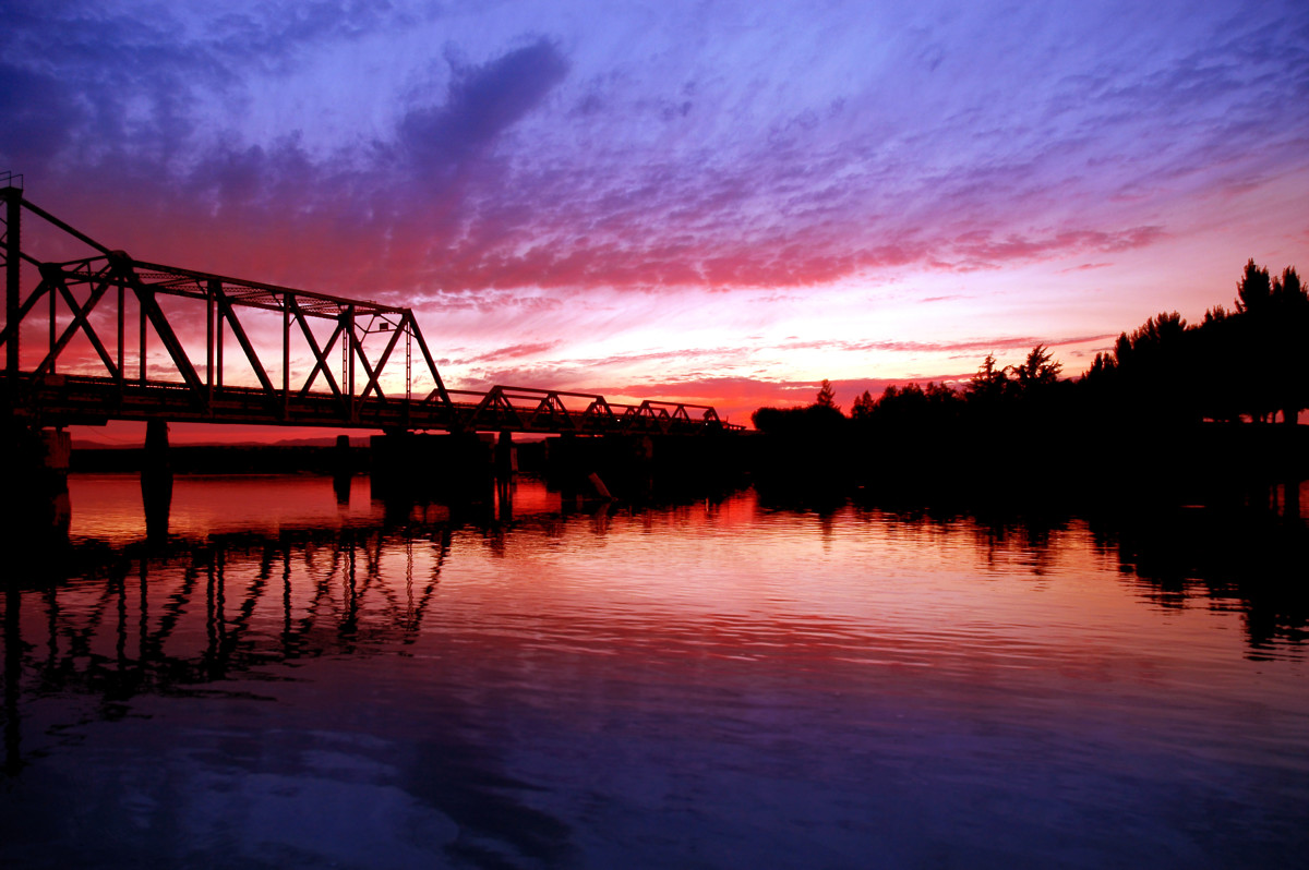 Sunset on San Joaquin River, Central Valley, California. (Photo: Terrance Emerson/Shutterstock)