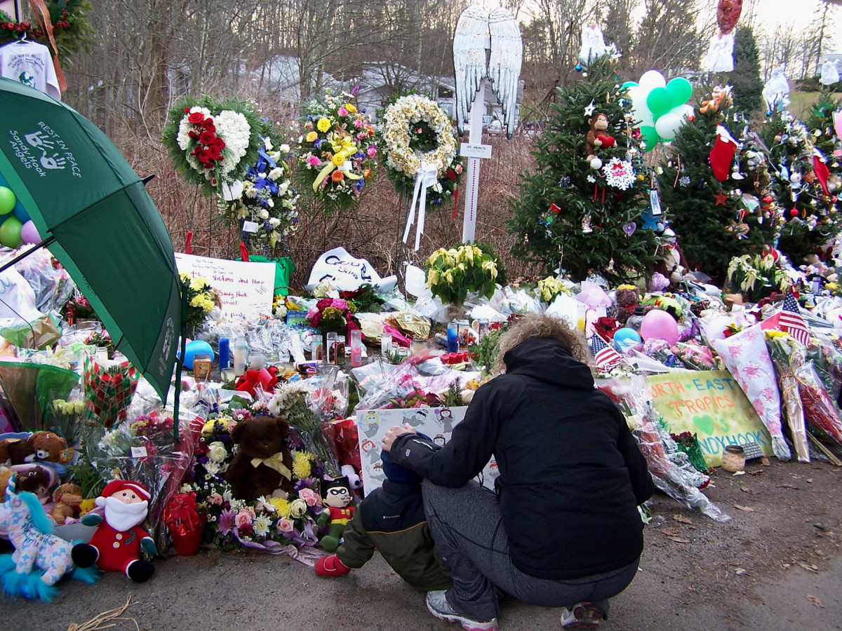 School shooting memorials created following December 14, 2012, attack on Sandy Hook Elementary School in Connecticut. (Photo: Gina Jacobs/Shutterstock)