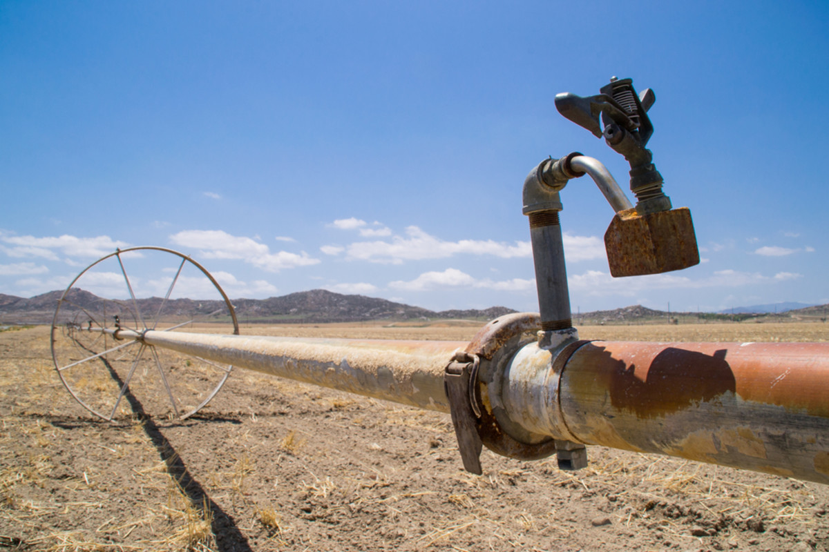 Water irrigation pipes on a farm in Southern California. (Photo: Eddie J. Rodriquez/Shutterstock)