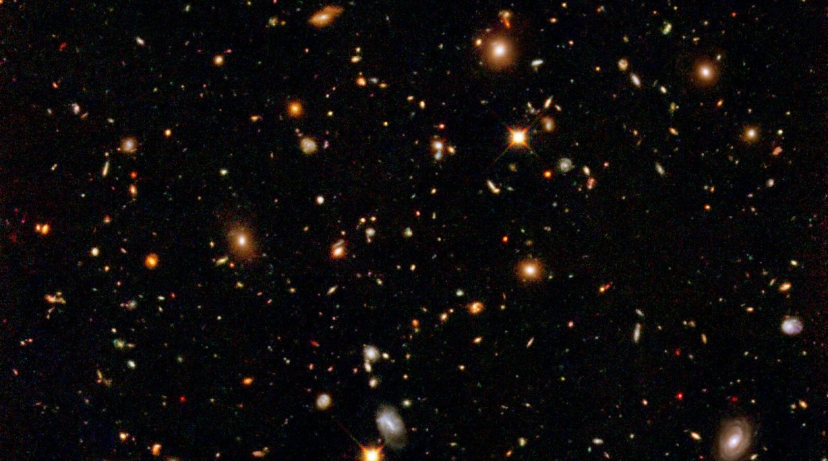Image from the Hubble Ultra Deep Field Survey. (Photo: NASA, ESA, and R. Thompson/University of Arizona)