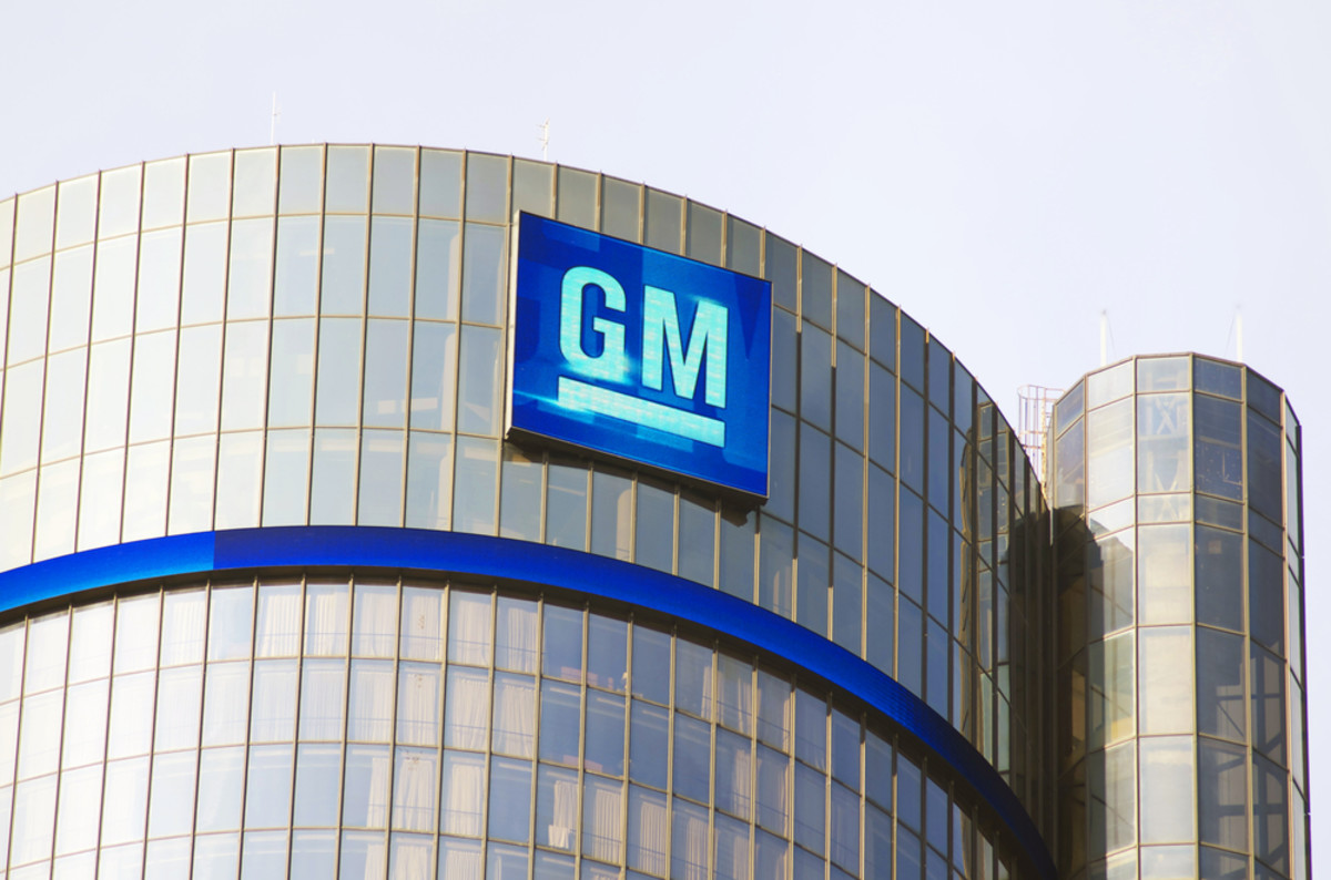 General Motors headquarters in downtown Detroit, Michigan. (Photo: Linda Parton/Shutterstock)