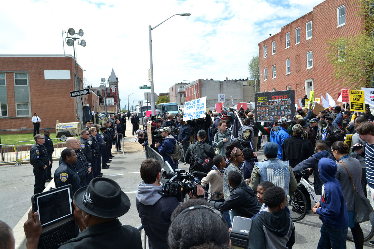 Protest at the Baltimore Police Department Western District building. (Photo: Veggies/Wikimedia Commons)