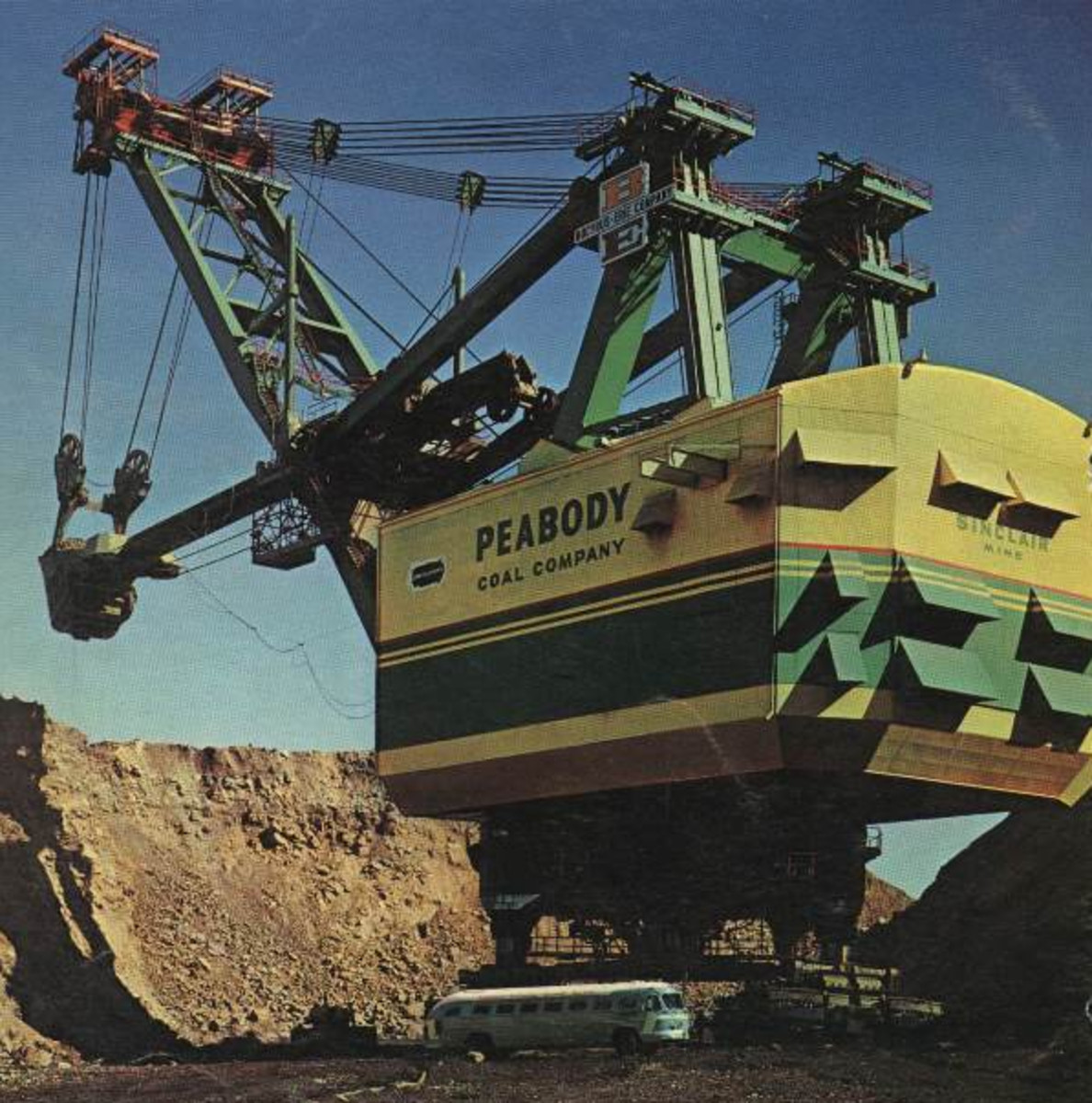 The Bucyrus Erie 3850-B Power Shovel went to work at the Paradise Fossil Plant for Peabody Coal Company's (Peabody  Energy) Sinclair Surface Mine in 1962. (Photo: MichaelBNA/Wikimedia Commons)