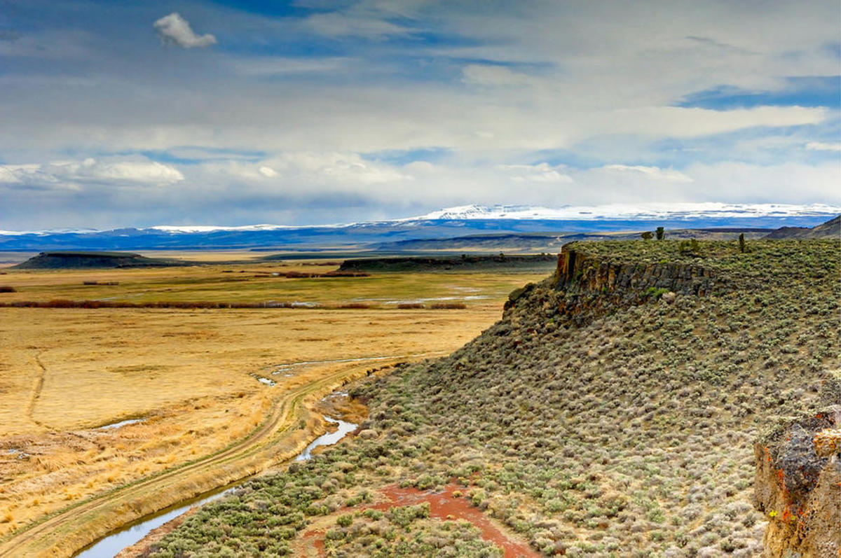 View of the Steens Mountains from the Buena Vista Overlook in Malheur National Wildlife Refuge. (Photo: Jeff Sorn/Oregon Department of Transportation)