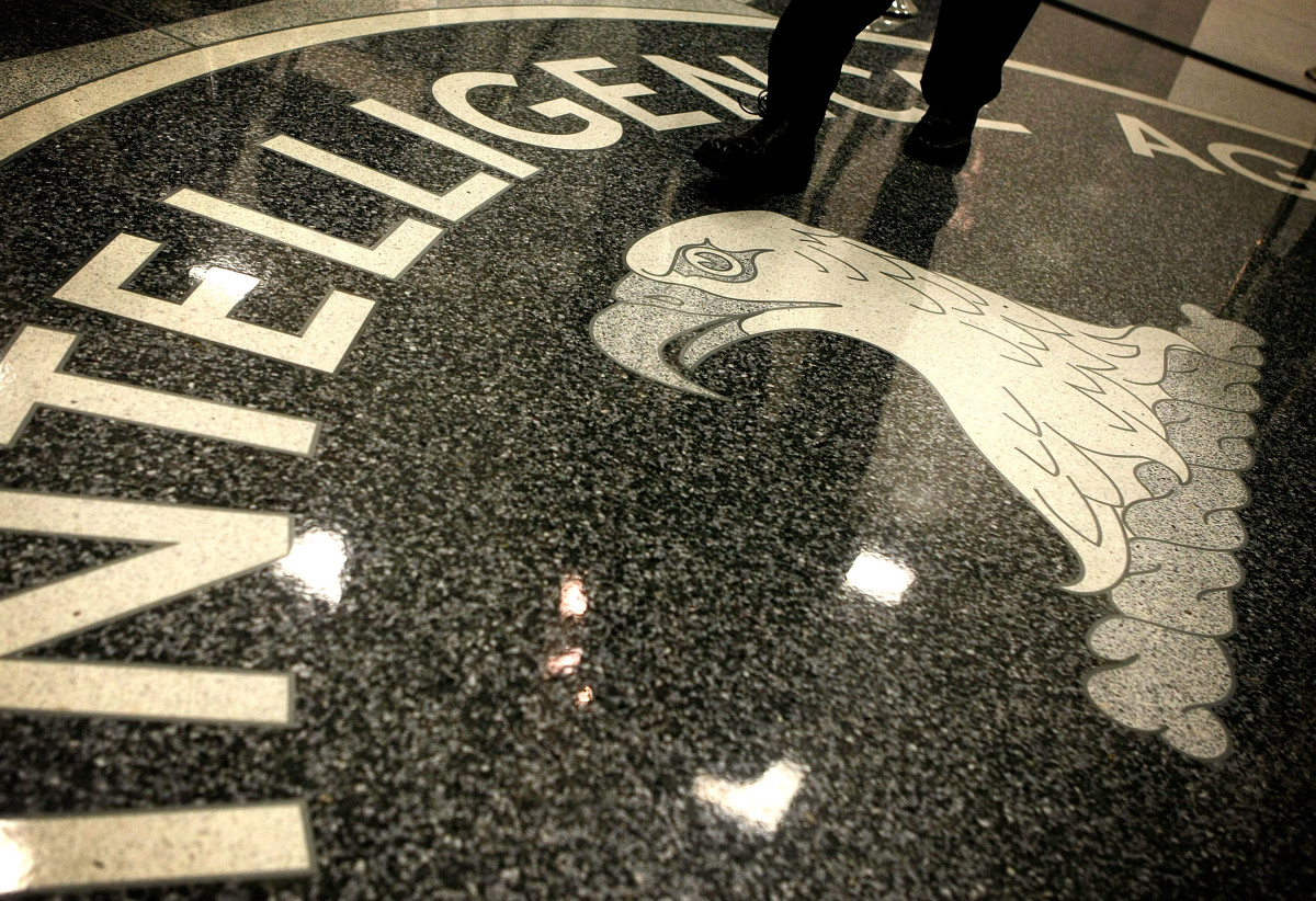 The seal of the Central Intelligence Agency. (Photo: Alex Wong/Getty Images)