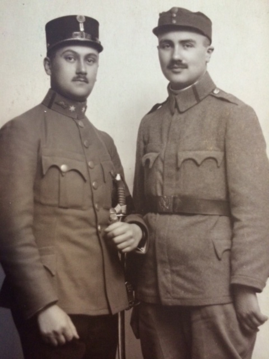 Jakob Engelberg and his brother Heniu in their World War I Army uniforms. (Photo: Engelberg Family)