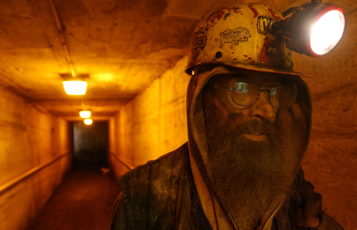 "Mike Kasavich, a lifelong coal miner, exits ""the hole"" after a 10-hour morning shift at the Mathies coal mine in western Pennsylvania. (Photo: Spencer Platt/Getty Images)"
