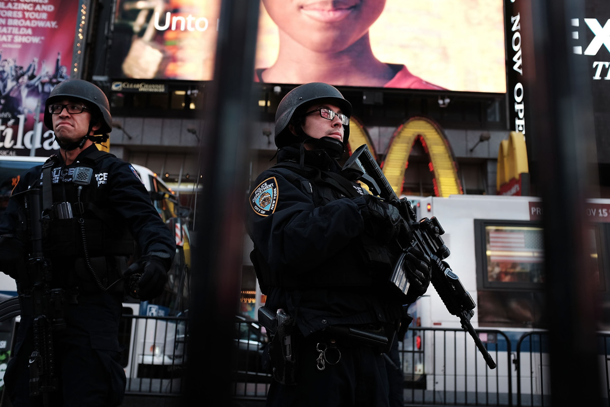 New York police officers. (Photo: Spencer Platt/Getty Images)
