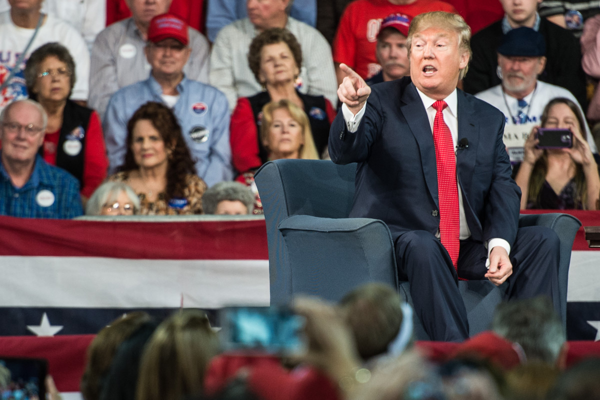 Donald Trump speaks to the crowd at a town hall meeting December 12, 2015, in Aiken, South Carolina. (Photo: Sean Rayford/Getty Images)