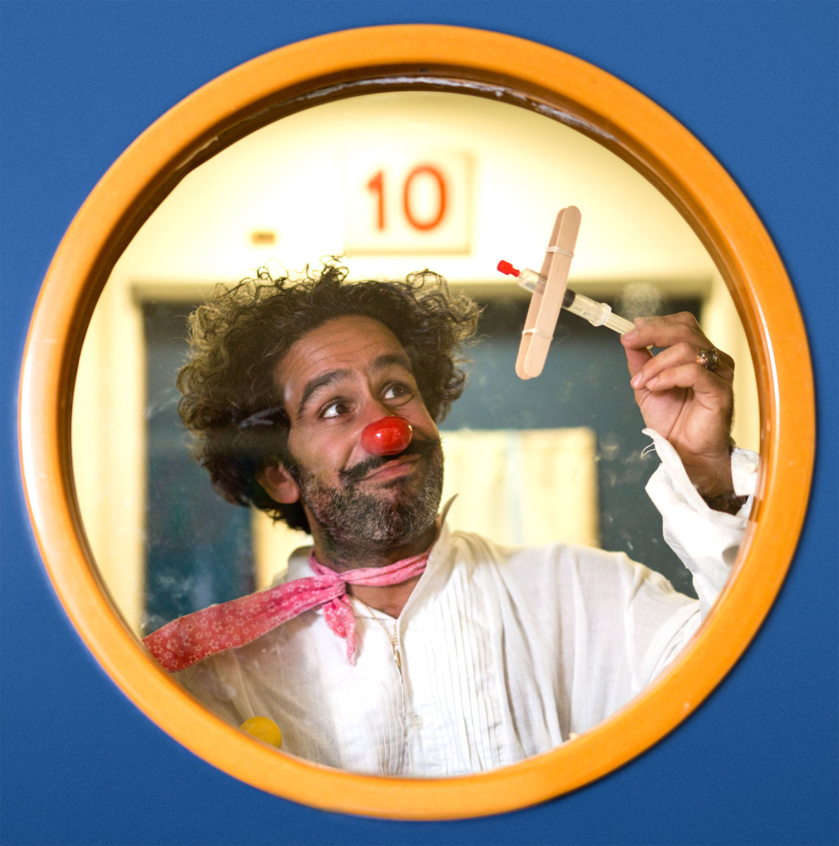 "David ""DuSH"" Barashi, 39, medical clown for the group Dream Doctors. (Photo: David Vaaknin)"