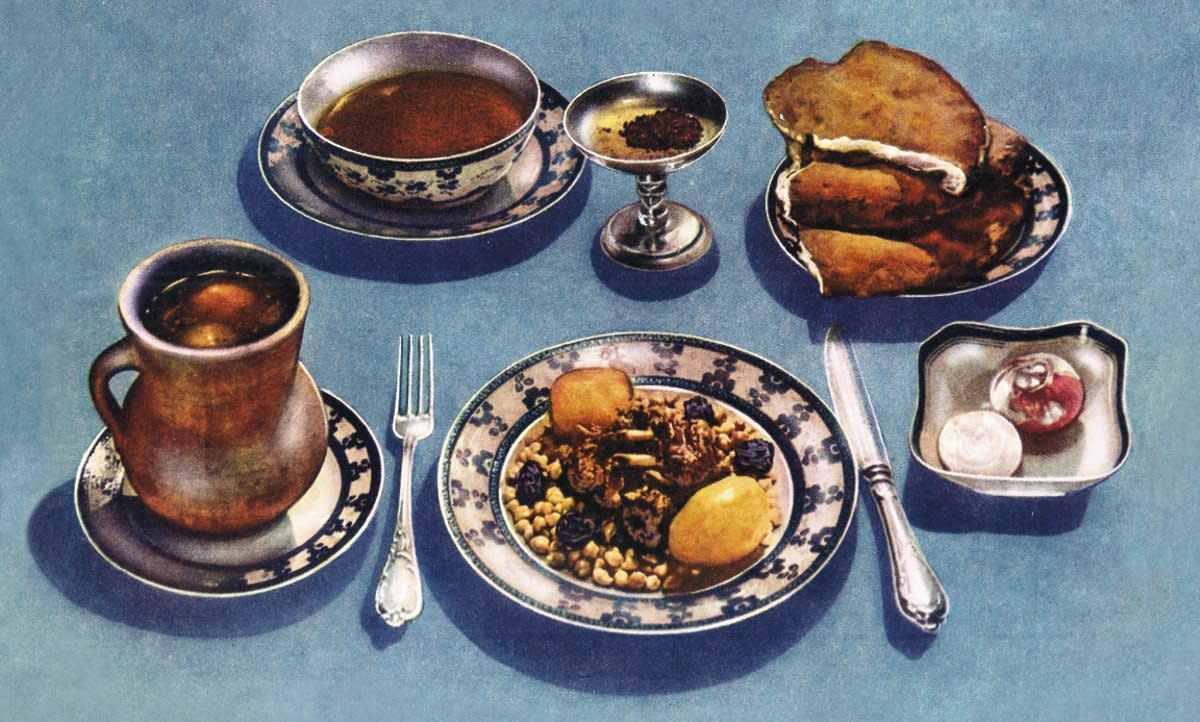 This Azerbaijani dish, piti, calls for mint, dried plums, and saffron—ingredients almost impossible to find in most of the Soviet territory, available only to the Kremlin elite. (Illustration: CCCP Cook Book)