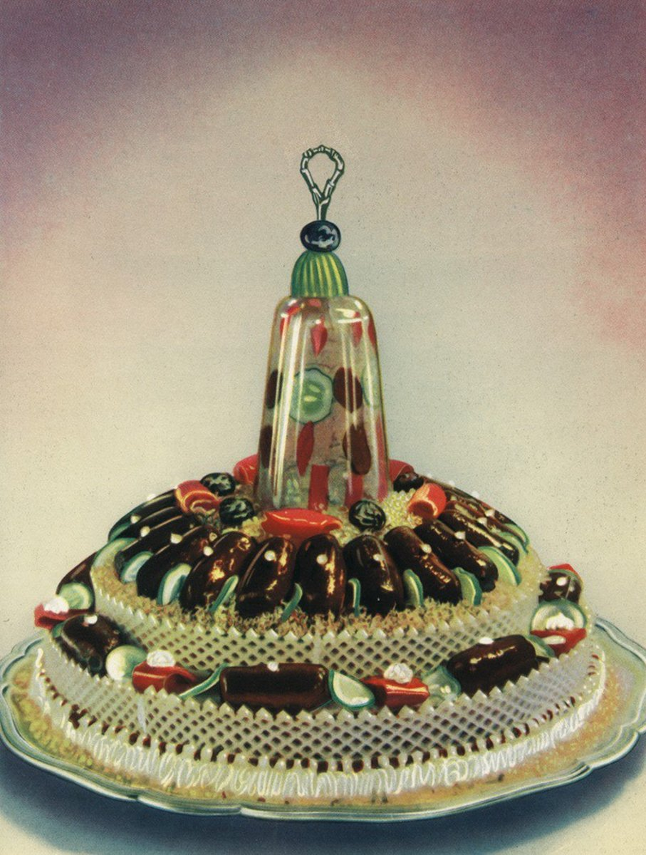 Stuffed venison fillet, set in aspic and garnished with vegetables. (Illustration: CCCP Cook Book)