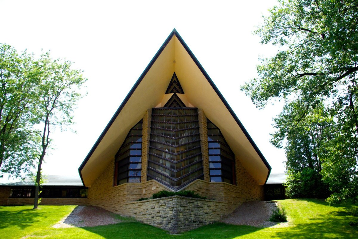 The prow of the First Unitarian Society Meeting House in Madison, Wisconsin, designed by Frank Lloyd Wright. (Photo: Nomadseifer/Wikimedia Commons)