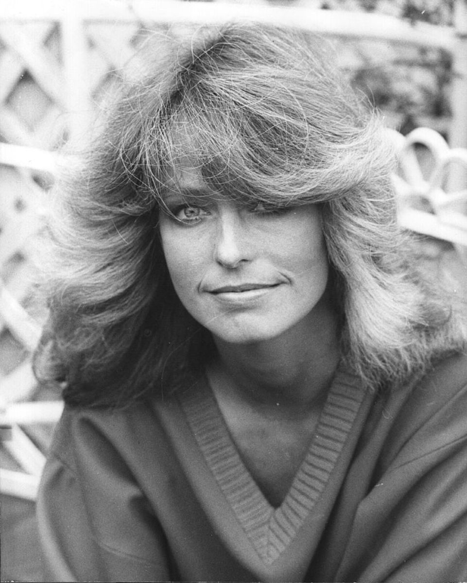 The American actress and star of 'Charlie's Angels', Farrah Fawcett, on a visit to London. (Photo by Keystone/Getty Images)