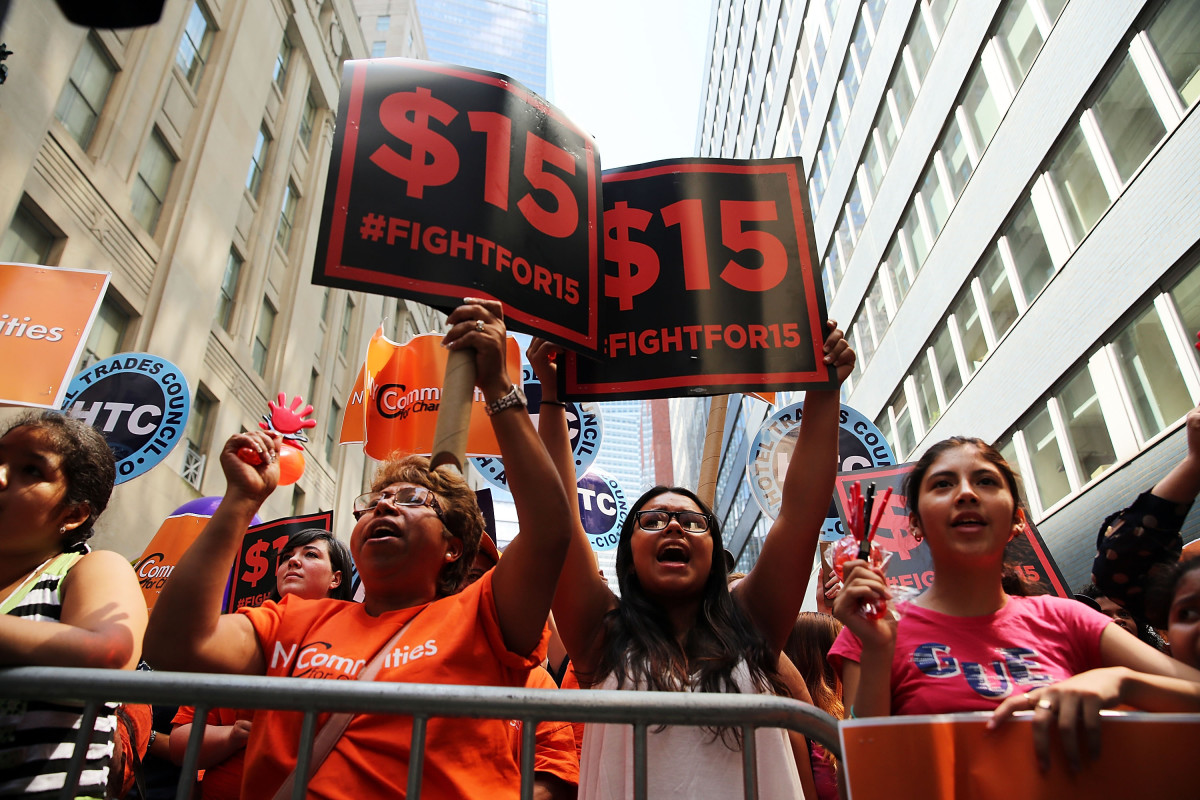 Labor leaders, workers, and activists attend a rally for a $15 minimum hourly wage on July 22, 2015, in New York City. (Photo: Spencer Platt/Getty Images)