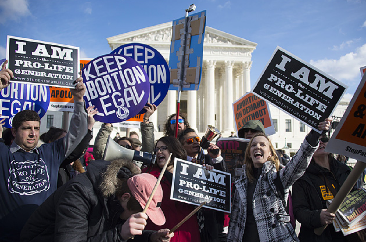 Activists in front of the Supreme Court in 2015. (Photo: Jim Watson/AFP/Getty Images)