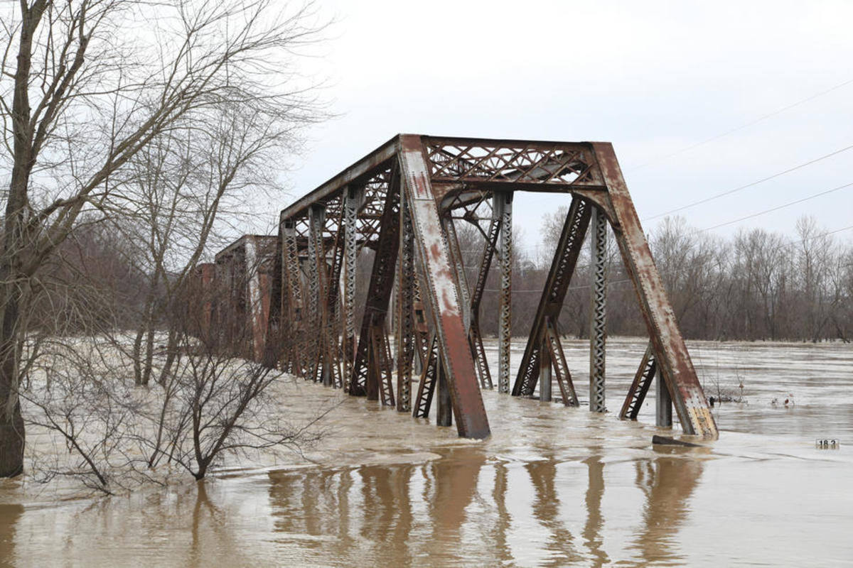 A flooded bridge after the recent deluge in the Midwest. (Photo: U.S. Army Corps of Engineers/Flickr)