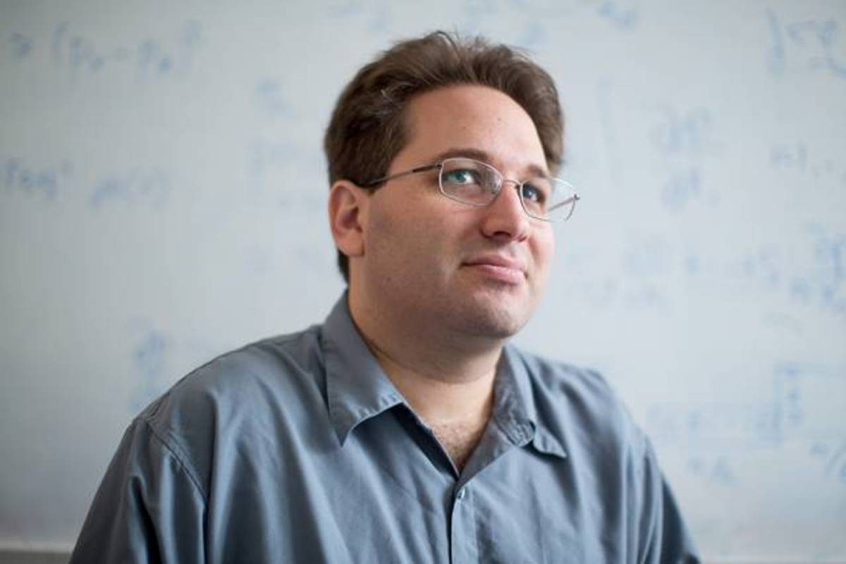Scott Aaronson. (Photo: Courtesy of MIT)