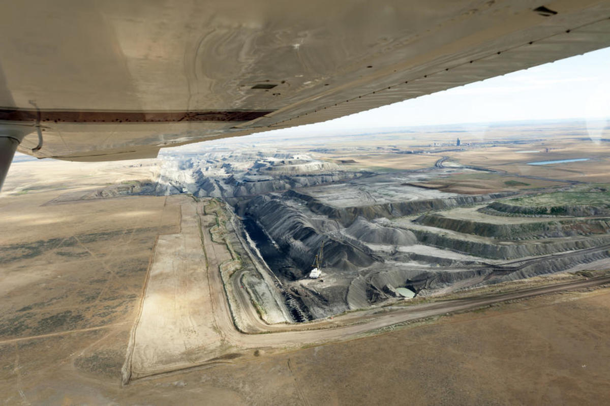 An aerial view of Wyoming's Black Thunder coal mine, one of the largest coal mines in the world. (Photo: Jeremy Buckingham/Flickr)