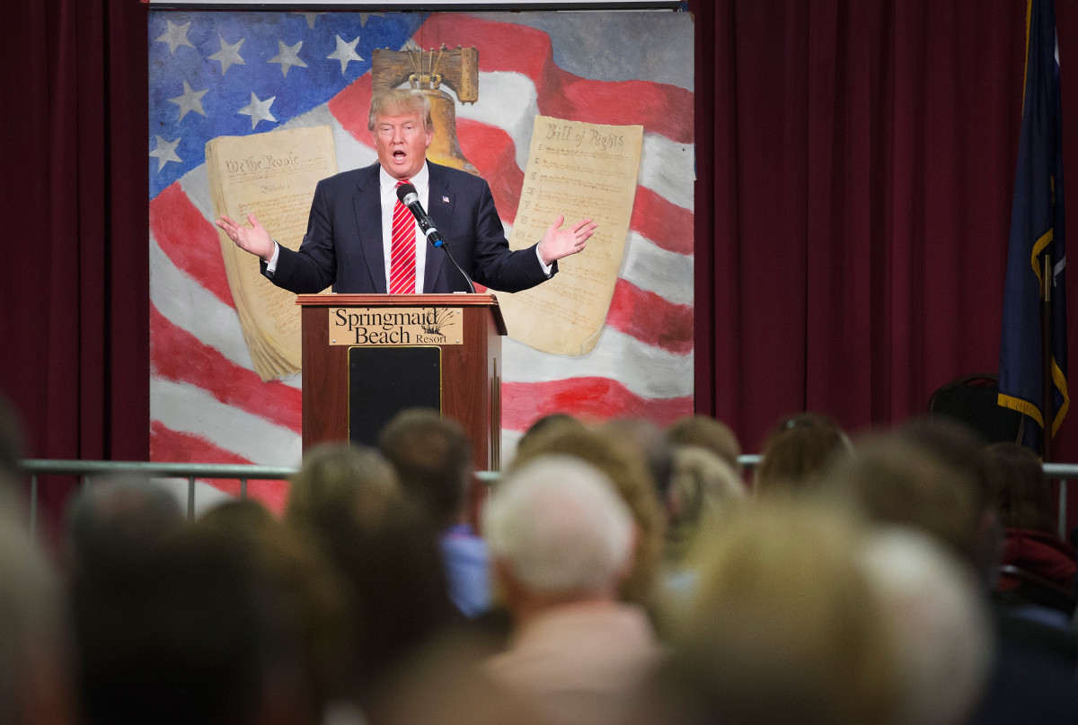 Donald  Trump speaks to guests at the 2016 South Carolina Tea Party Coalition  Convention on January 16, 2016, in Myrtle Beach, South Carolina.  (Photo: Scott Olson/Getty Images)