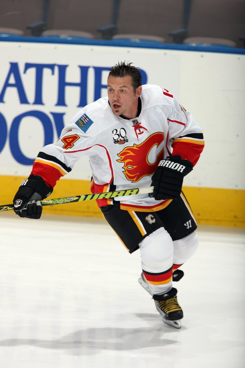 Theo Fleury warms up before a game on September 23,  2009, in Edmonton, Alberta, Canada. (Photo: Dale  MacMillan/Getty Images)