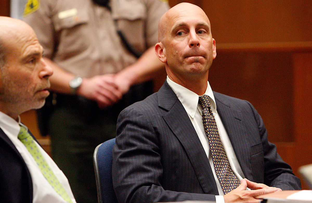 Bruce Lisker listens in Superior Court on August 21, 2009, in Los Angeles, California. (Photo: Luis Sinco-Pool/Getty Images)