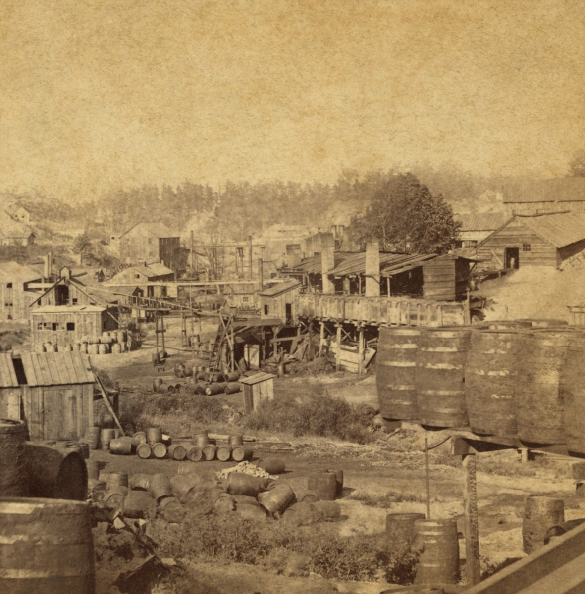 Barrels and buildings at an oil refinery in Erie, Pennsylvania, in the 1870s. (Photo: Everett Historical/Shutterstock)