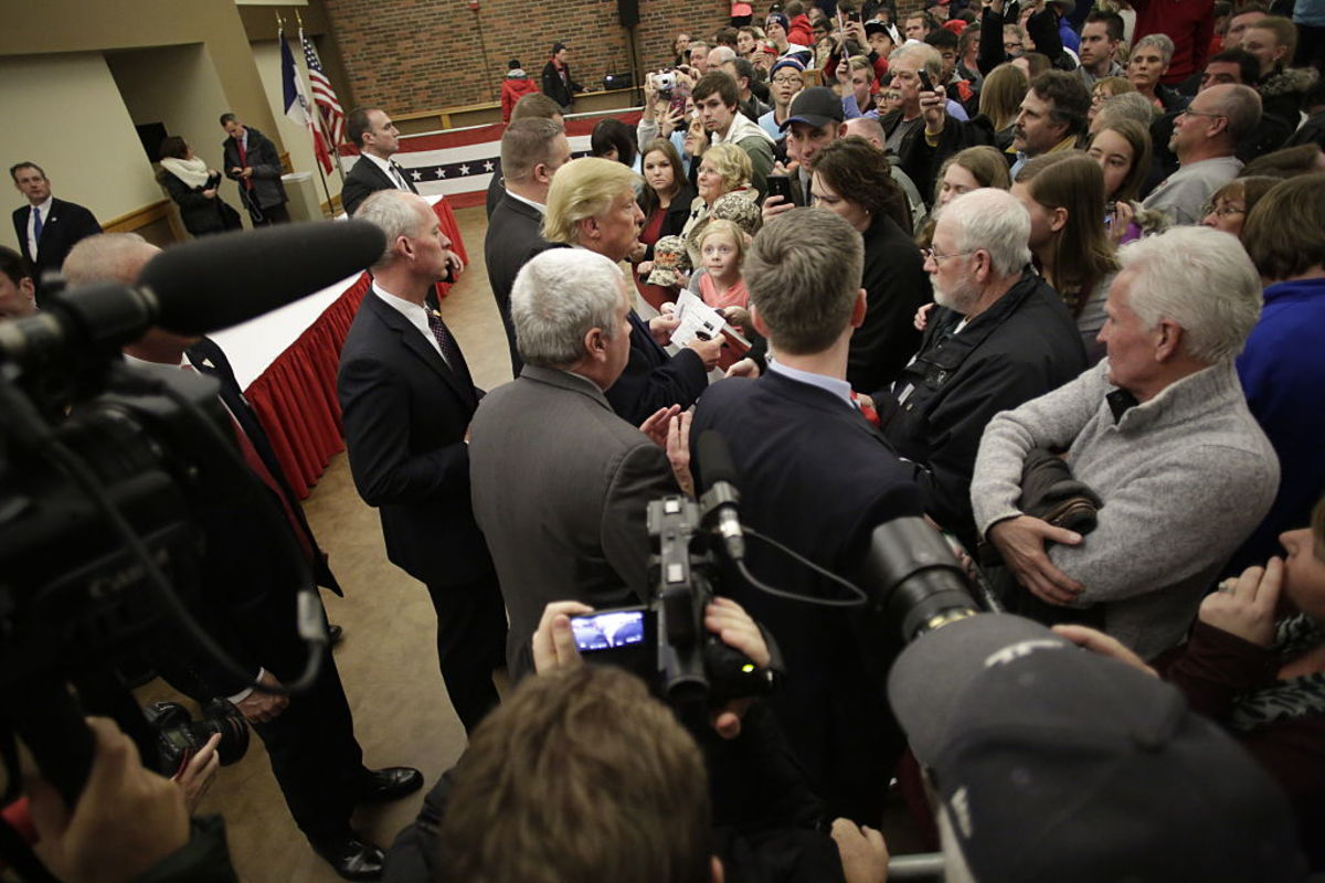 Donald Trump  greets guests before speaking at a campaign event on January 23, 2016, in  Pella, Iowa. (Photo: Joshua Lott/Getty Images)