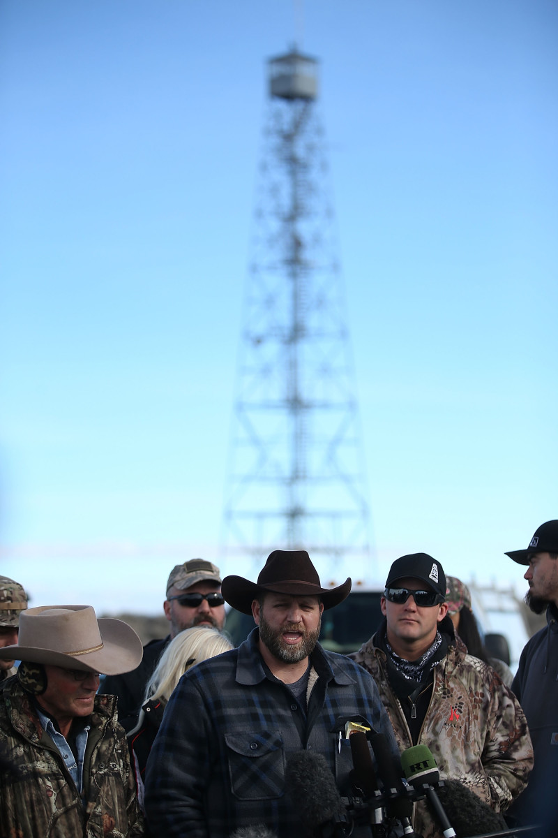 Ammon Bundy, the leader of an anti-government  militia, speaks to members of the media in front of the Malheur National  Wildlife Refuge headquarters on January 6, 2016, near Burns, Oregon.  (Photo: Justin Sullivan/Getty Images)