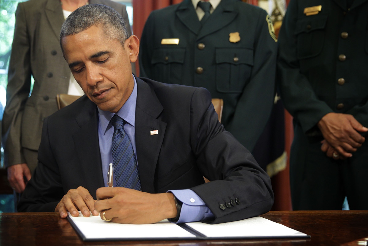 Barack Obama signs proclamations to designate three new national monuments on July 10, 2015. (Photo: Alex Wong/Getty Images)