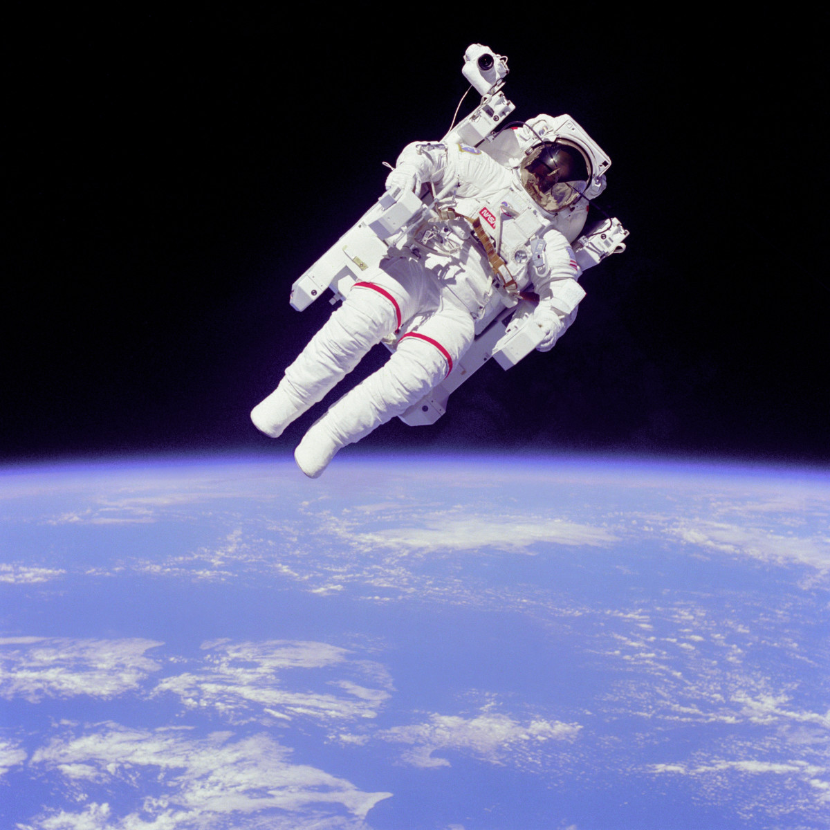 NASA Astronaut Bruce McCandless II using a Manned Maneuvering Unit outside Space Shuttle Challenger on shuttle mission STS-41-B in 1984. (Photo: Wikimedia Commons)