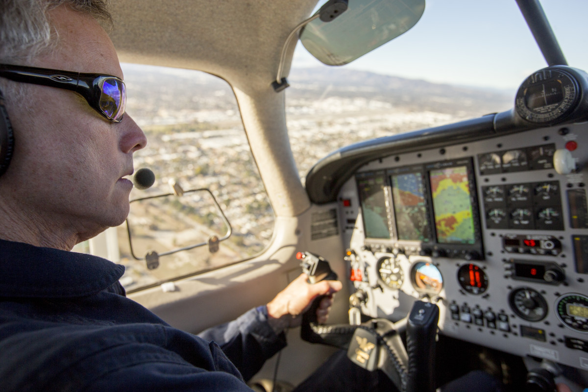 Stephen Conley flies toward the Aliso Canyon Natural Gas Storage Facility leak on  January 8, 2016. Conley, flying in a pollution-detecting airplane, provided the first estimates of methane emissions spewing from the Southern California leak. (Photo: Joe Proudman/University of California–Davis)