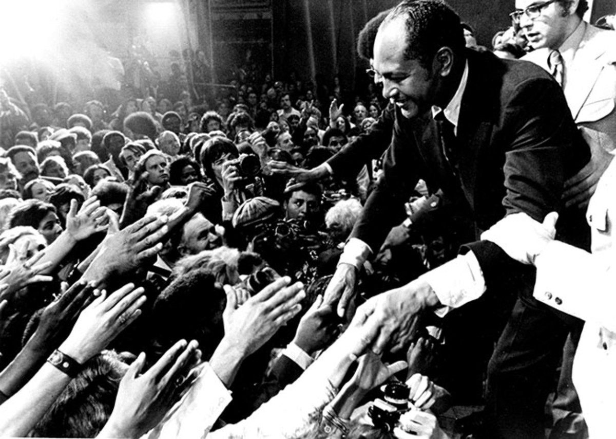 Mayor-elect Tom Bradley at a victory celebration on May 30, 1973. (Photo: Tom Bradley Legacy Foundation/the University of California–Los Angeles)