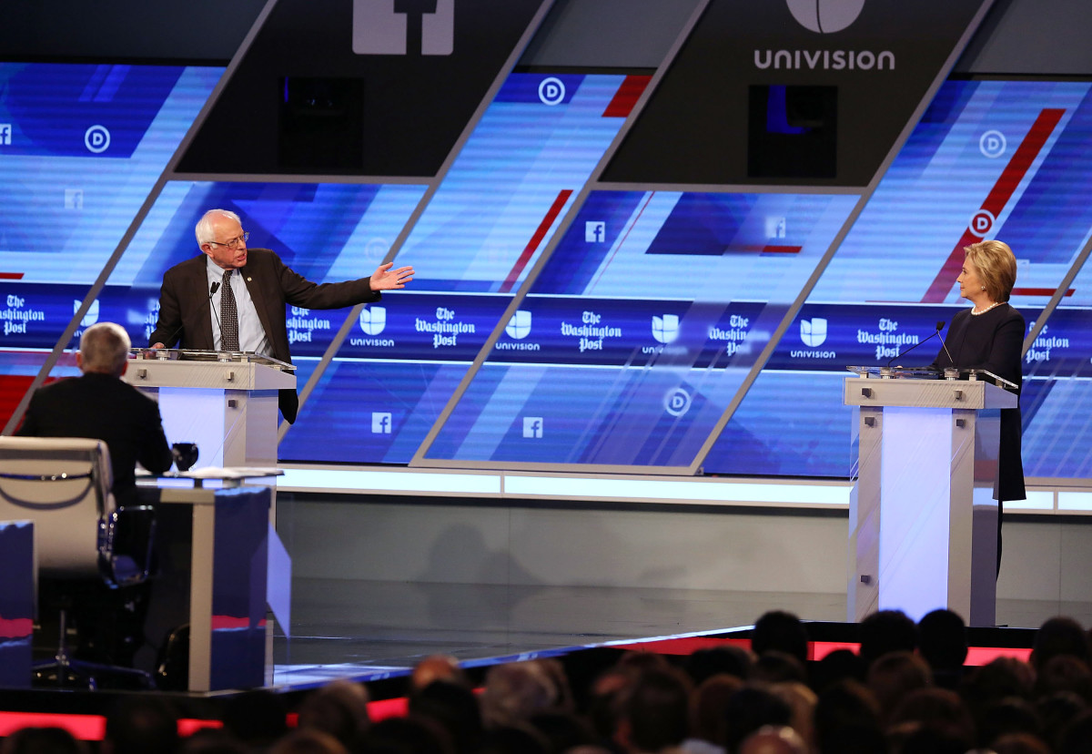 Bernie Sanders and Hillary Clinton debate during the Univision News and Washington Post Democratic Presidential Primary Debate at on March 9, 2016, in Miami, Florida. (Photo: Joe Raedle/Getty Images)
